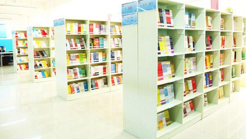 西安轨道交通学校图书馆阅览室